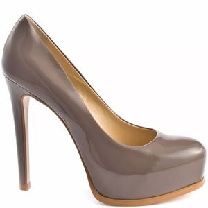 Kelsi Dagger Gray High heels size 7 1/2